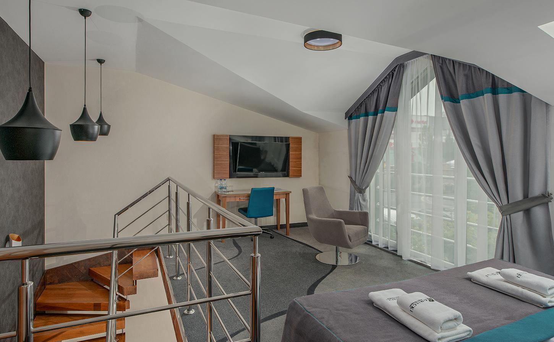 Apartament dwupoziomowy Gniecki Hotel irestauracja